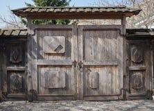 деревянное строба старое Стоковые Изображения