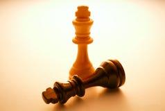 2 деревянный король шахматные фигуры Стоковая Фотография