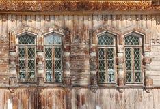 4 деревянных окна - деталь правоверного собора святой троицы Стоковые Изображения