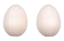 2 деревянных пасхального яйца изолированного на белизне Стоковые Изображения RF