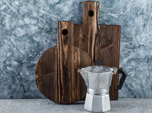 2 деревянных разделочные доски и утвари кухни Стоковое Изображение