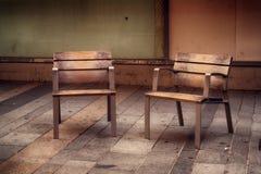 2 деревянных стуль Стоковое Изображение RF