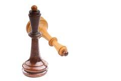 2 деревянных шахматной фигуры одной изолировали на белизне Стоковое Фото