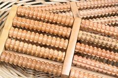2 деревянных Massagers ноги стресса сброса ролика Стоковое Изображение