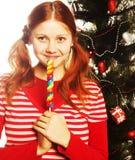 держащ изолированную женщину шипучки lolly довольно белую молодой рождество моя версия вектора вала портфолио Стоковые Изображения