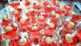 десерт красного цвета студня стоковые фотографии rf