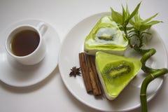 десерт Низко-калории с суфлем кивиа Стоковые Изображения RF