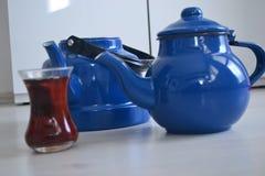 Если чайник хорош, то чай был бы славен, Стоковая Фотография RF