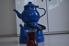 Если чайник хорош, то чай был бы славен Стоковое Изображение RF