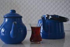 Если чайник хорош, то чай был бы славен Стоковые Фото