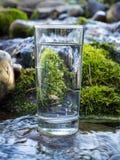 Естественная вода в стекле стоковое фото rf