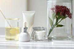 Естественная концепция продукта красоты, формулируя химикат для косметики Стоковое Изображение