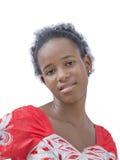 Естественная красота Афро нося вышитое платье, отсутствие состава Стоковое Изображение RF