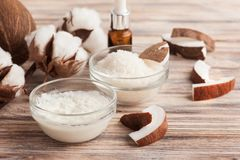 Естественная обработка волос с кокосом Стоковые Изображения