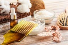 Естественная обработка волос с кокосом Стоковое Изображение RF