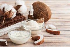 Естественная обработка волос с кокосом Стоковые Фотографии RF