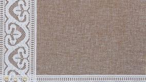 Естественная linen текстура с белым шнурком Стоковые Фотографии RF