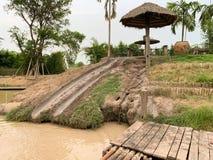 Естественное скольжение на ферме стоковое изображение rf