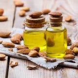 Естественное эфирное масло сладостной миндалины для красоты и курорта Стоковое Изображение
