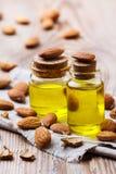 Естественное эфирное масло сладостной миндалины для красоты и курорта Стоковые Фотографии RF