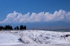 Естественные бассейны и террасы травертина на Pamukkale, Turke Стоковое Фото