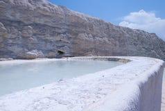 Естественные бассейны и террасы травертина на Pamukkale, Turke Стоковое Изображение RF