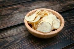 Естественные картофельные стружки Стоковое Фото