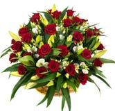 Естественные красные розы в корзине Стоковое Фото