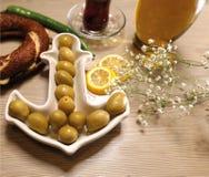 Естественные органические зеленые оливки Стоковые Изображения