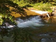 естественный водопад стоковое изображение rf