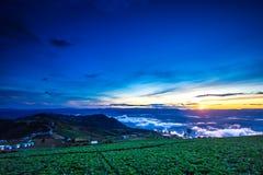 Естественный восход солнца захода солнца Phu Thap Boek, горы Phetchabun Небо ландшафта на восходе солнца рассвета захода солнца Н Стоковое Изображение