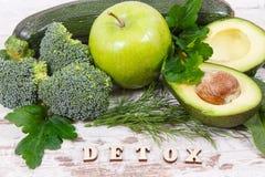 Естественный зеленый фрукт и овощ как витамины и минералы источника, здоровое питание и концепция detoxification стоковая фотография