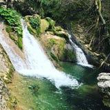 естественный малый водопад Стоковая Фотография RF