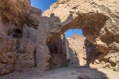 Естественный мост, национальный парк Death Valley стоковое изображение rf