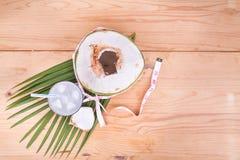 Естественный сок кокоса помогает в потере веса тела Стоковое Изображение RF
