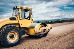 детали промышленных дорожных работ с тандемным роликом и vibratory compactor почвы Стоковые Изображения RF