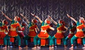 детеныши белой женщины танцульки предпосылки индийские Стоковое Фото