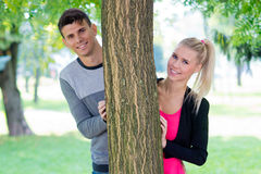 детеныши влюбленности пар счастливые Стоковая Фотография RF
