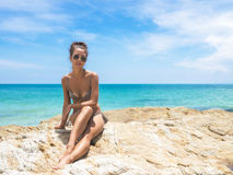 детеныши девушки пляжа Стоковые Фотографии RF