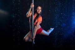детеныши женщины воды подкраской студии фото сексуальные серебряные Стоковое фото RF