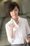 детеныши женщины кофе дела стоковые изображения