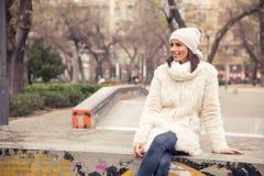 детеныши женщины места города урбанские Стоковое Изображение