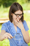 детеныши женщины портрета loupe Стоковое Изображение RF
