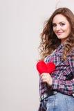 детеныши женщины сердца красные Стоковое Изображение