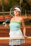 детеныши женщины тенниса портрета игрока Стоковые Изображения