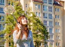 детеныши женщины badminton красивейшие играя Стоковое фото RF
