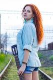 детеныши женщины redhead портрета Стоковая Фотография RF