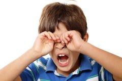 детеныши мальчика зевая Стоковая Фотография RF