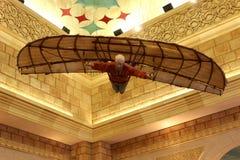 детеныши неба человека летания предпосылки вниз падая стоковая фотография