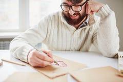 детеныши портрета человека чертежа белые Стоковые Изображения